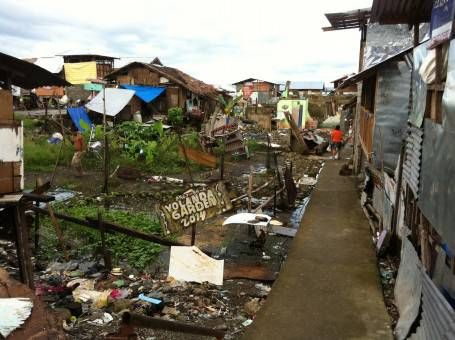 A Neighbourhood Destoryed by Typhoon Yolanda in the Philippines