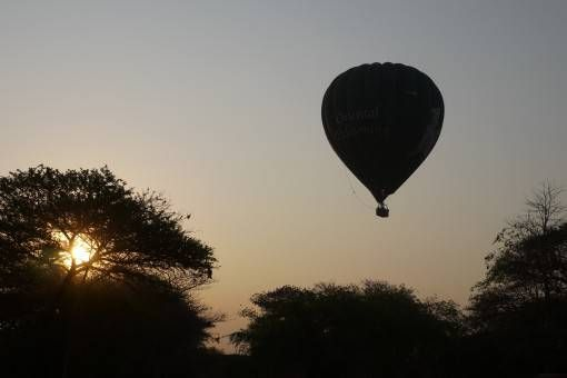 Sunrise hot air balloon in Bagan