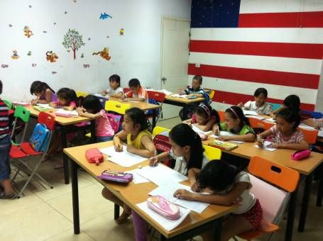 Children having an English class at the Language Center in Vietnam