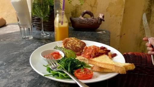Veggie breakfast at the Tet Decor Cafe