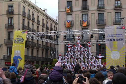 The Falcones building a human tower in Barcelona, Spain