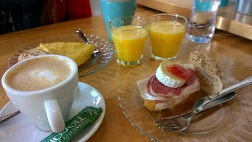 €3.60 coffee, juice and pinchos in Bilbao