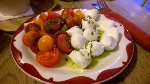 Tomato and Mozarrella salad at Delic, Madrid