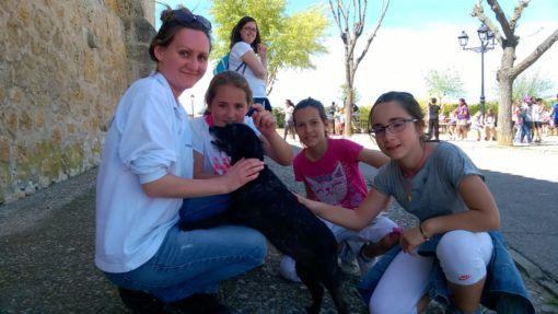 Dog and kids at an English Immersion camp in Spain