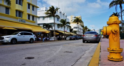 The vibrant colours on Ocean Drive, Miami