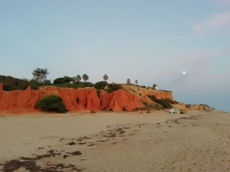 Vale do Lobo Beach, red cliffs and white sand