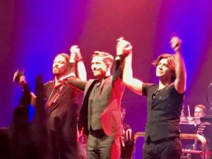 Hanson taking a bow in London